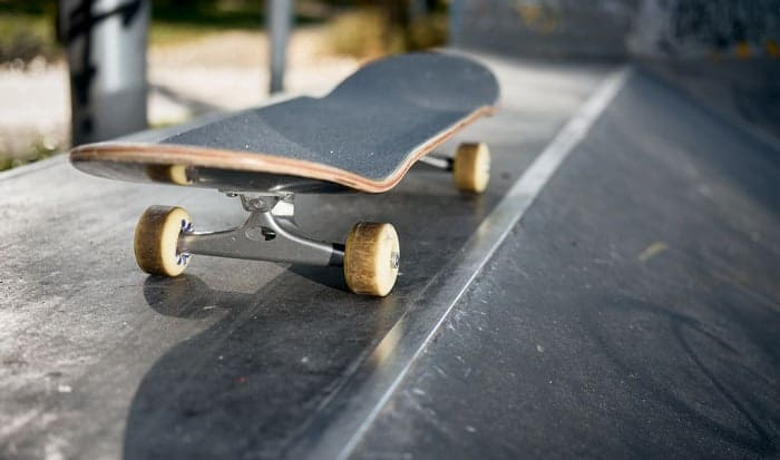 How-do-you-tell-what-size-your-skateboard-trucks-are