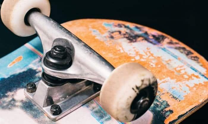 Can-you-over-tighten-skateboard-trucks