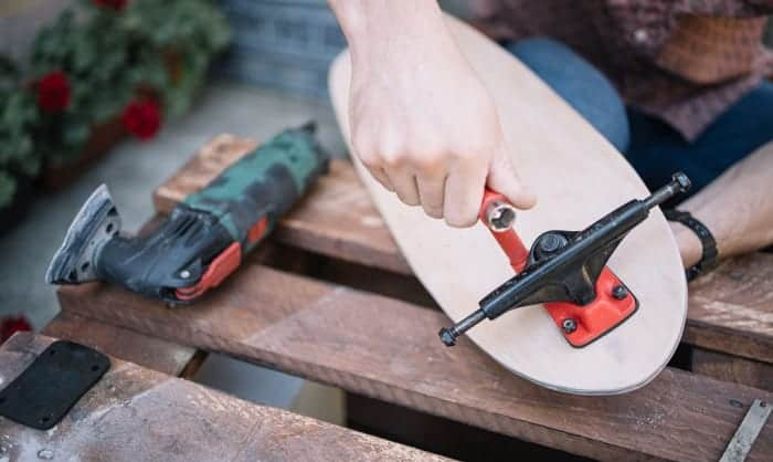 How to Tighten Skateboard Trucks