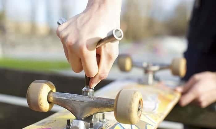 skateboard-hardware-size