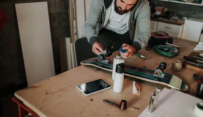 Can-I-paint-my-skateboard-deck