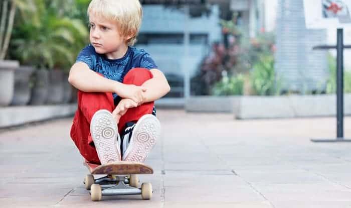 beginner-skateboard-for-7-year-old