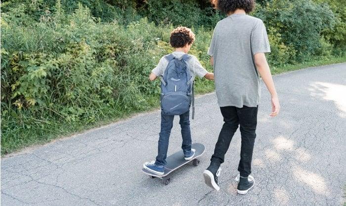 beginner-skateboard-for-9-year-old