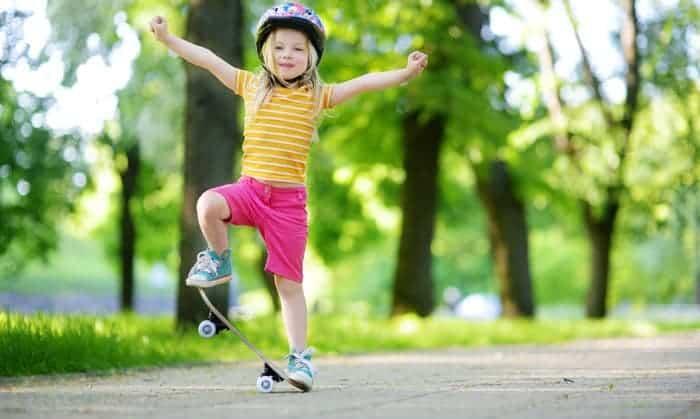 best-skateboard-for-6-year-old-beginner