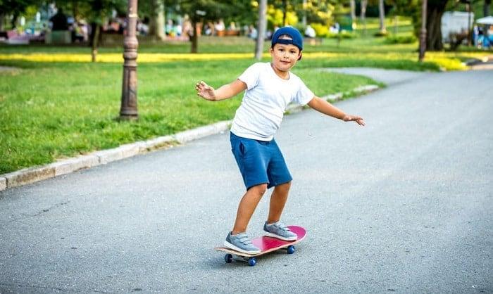 skateboard-for-8-year-old-beginner