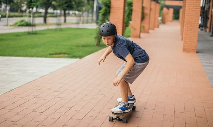 best-skateboard-for-10-year-old-beginner