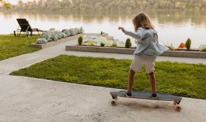 How-do-you-get-off-a-longboard