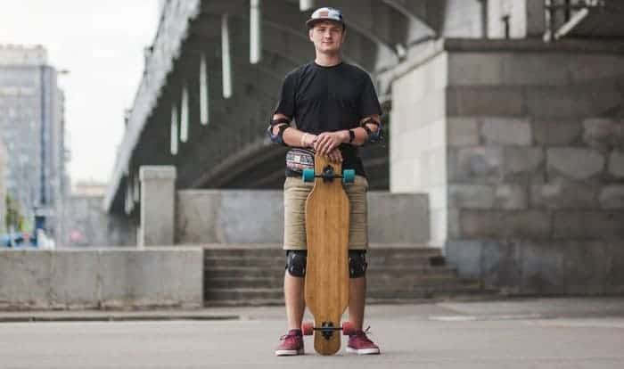 How-should-your-feet-be-on-a-longboard