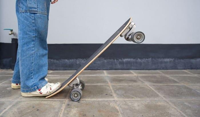 Is-it-easy-to-turn-on-a-longboard
