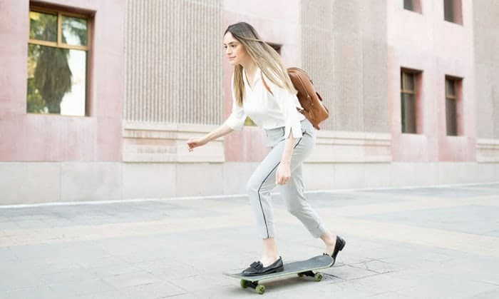 skateboard-commuting