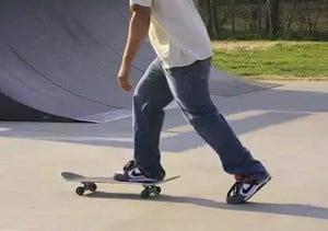 foot-do-you-push-on-a-skateboard