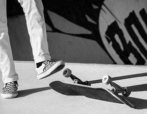jump-on-a-skateboard-for-beginners
