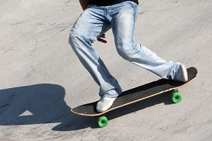 push-a-skateboard-with-your-front-or-back-foot