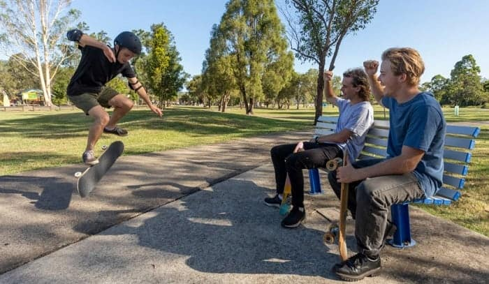 skateboard-jumping