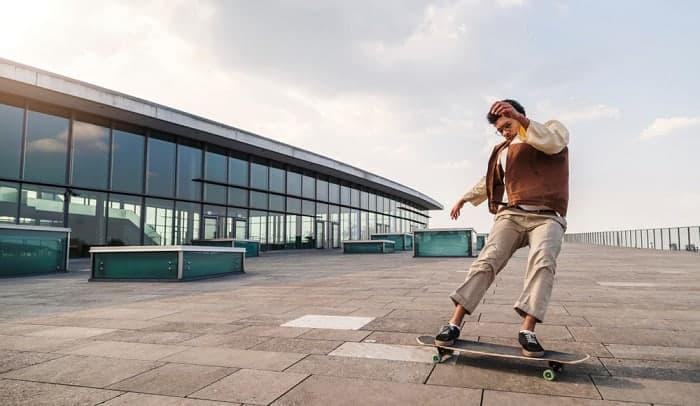 skateboard-powerslide