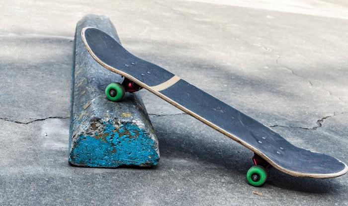 fix-a-cracked-skateboard-deck