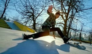 how to fall on a skateboard correctly