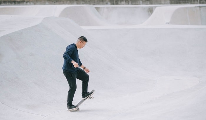 how-to-steer-a-skateboard